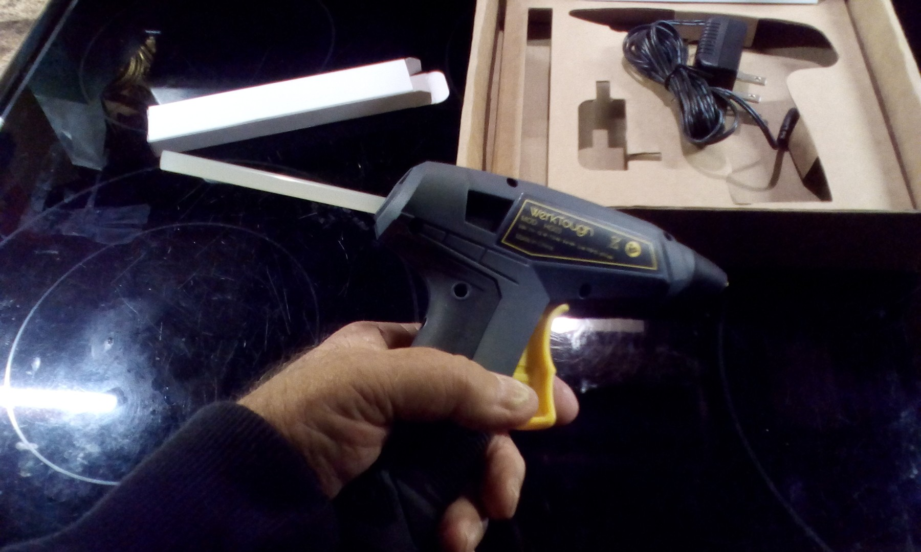 Cordless rechargeable hot glue gun