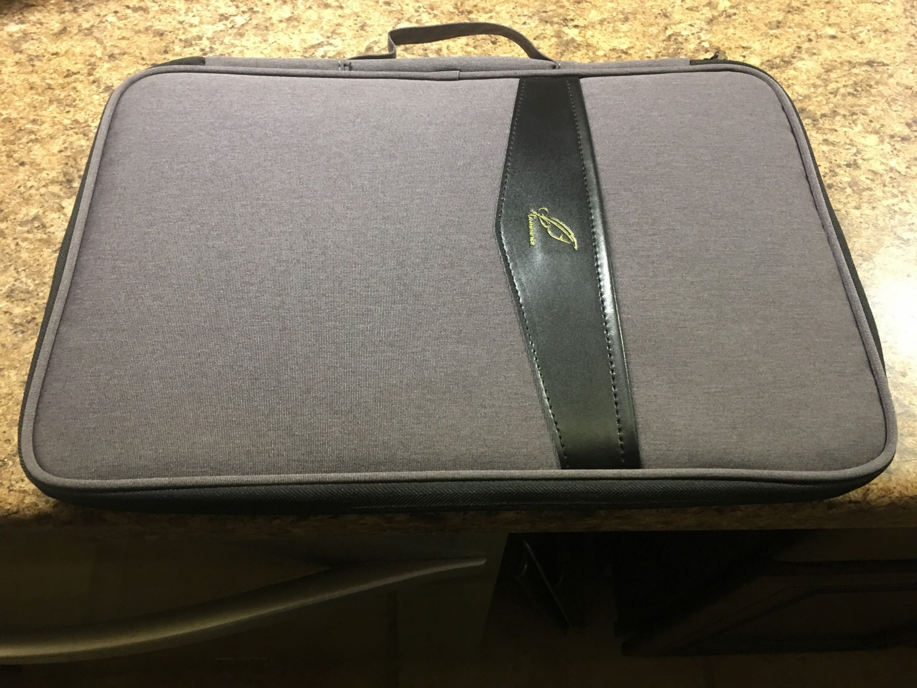 Nice carrying case for your tablet
