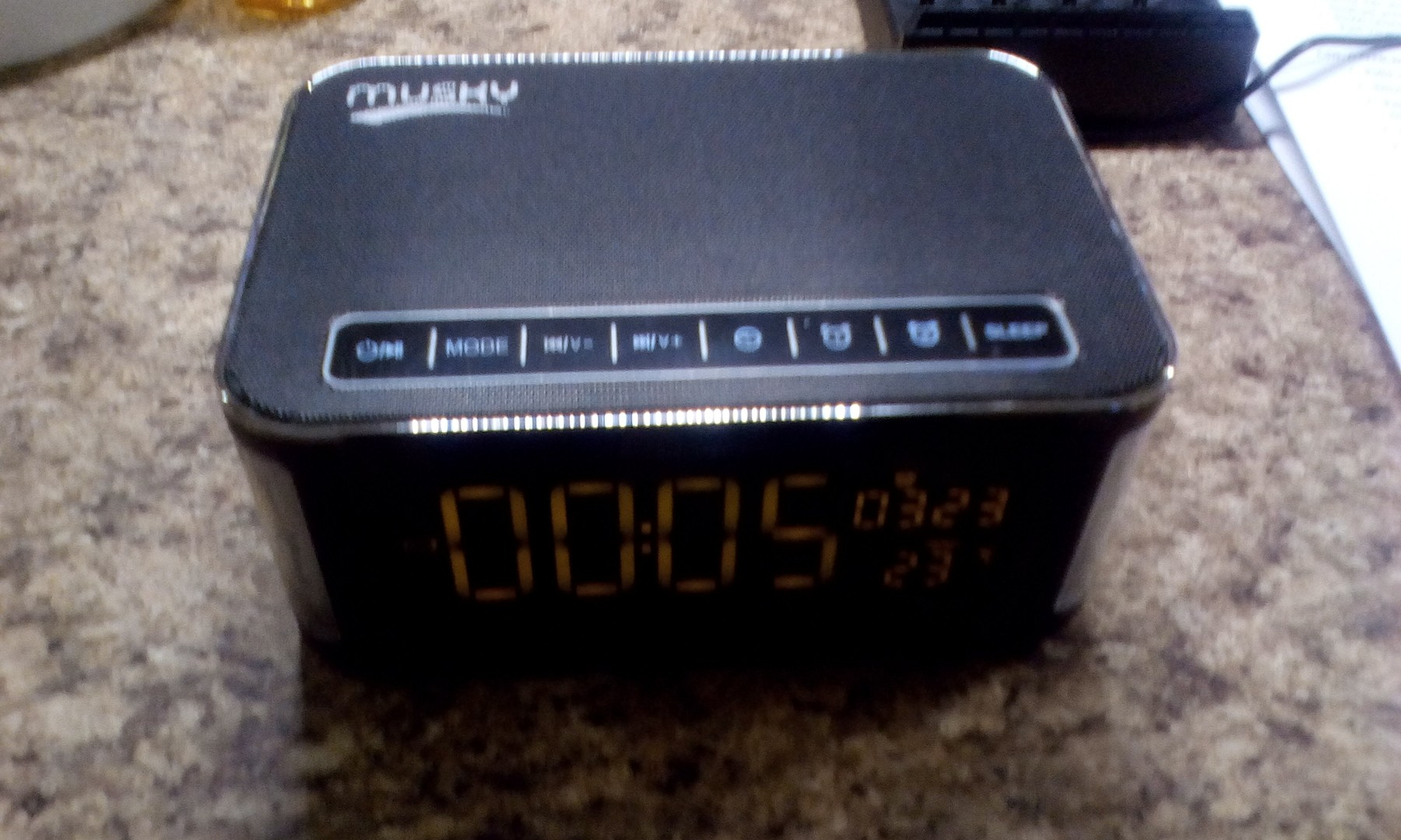 Nice speaker with clock function