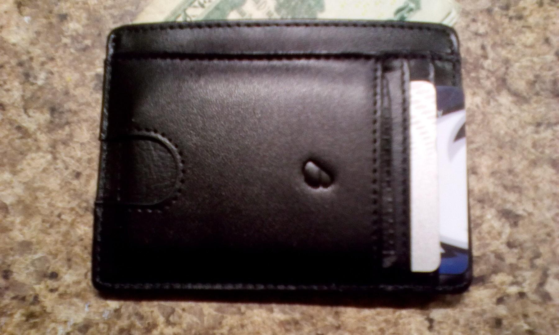 Great front-pocket wallet