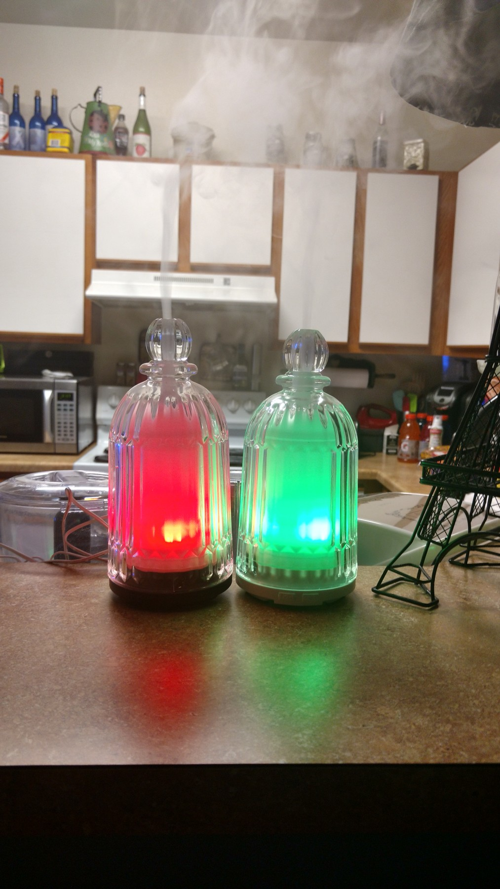 I love the real glass elegant look of this Oil Diffuser.