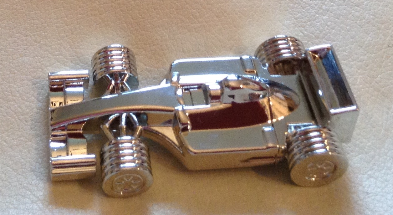A Fantastic and Practical Novelty Gadget Gift – Formula 1 Racing Car Shaped Memory Stick