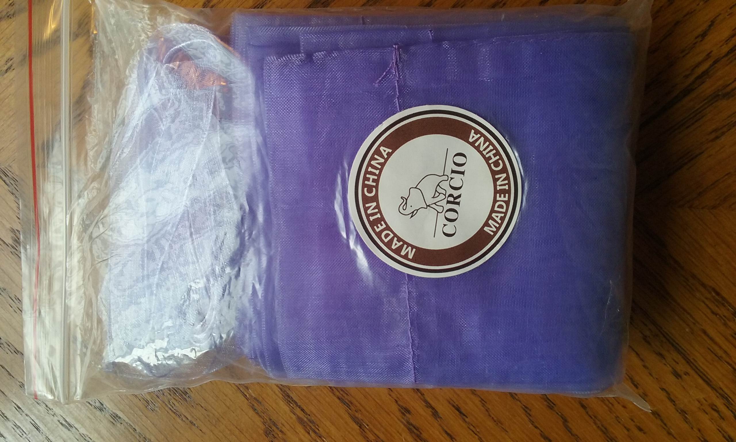 PRETTY PURPLE SACHETS WITH RIBBON TIES