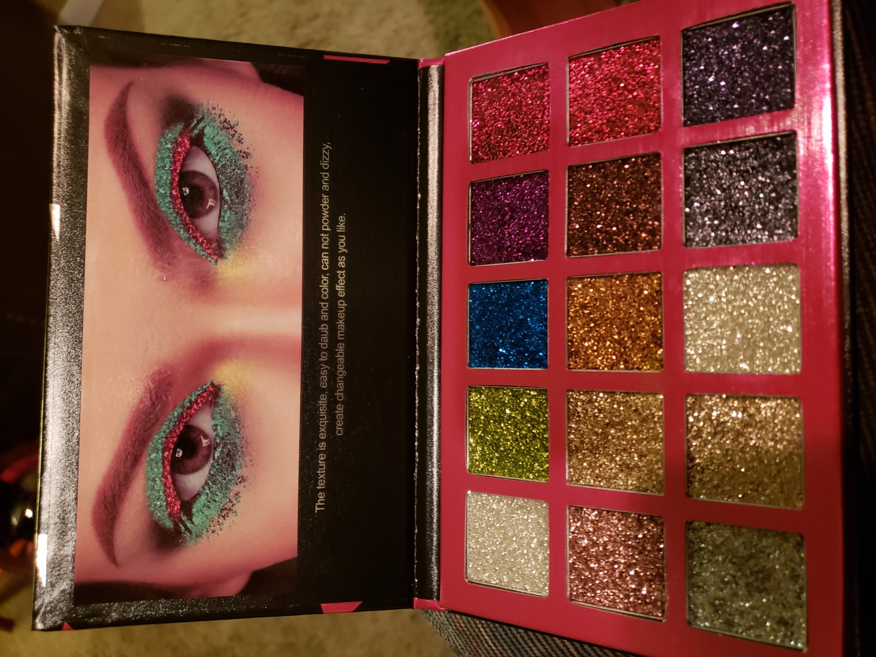 Gorgeous and luxurious glitter palette!!