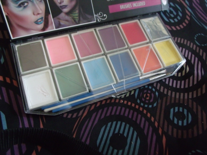The best face paint palette I have used so far!